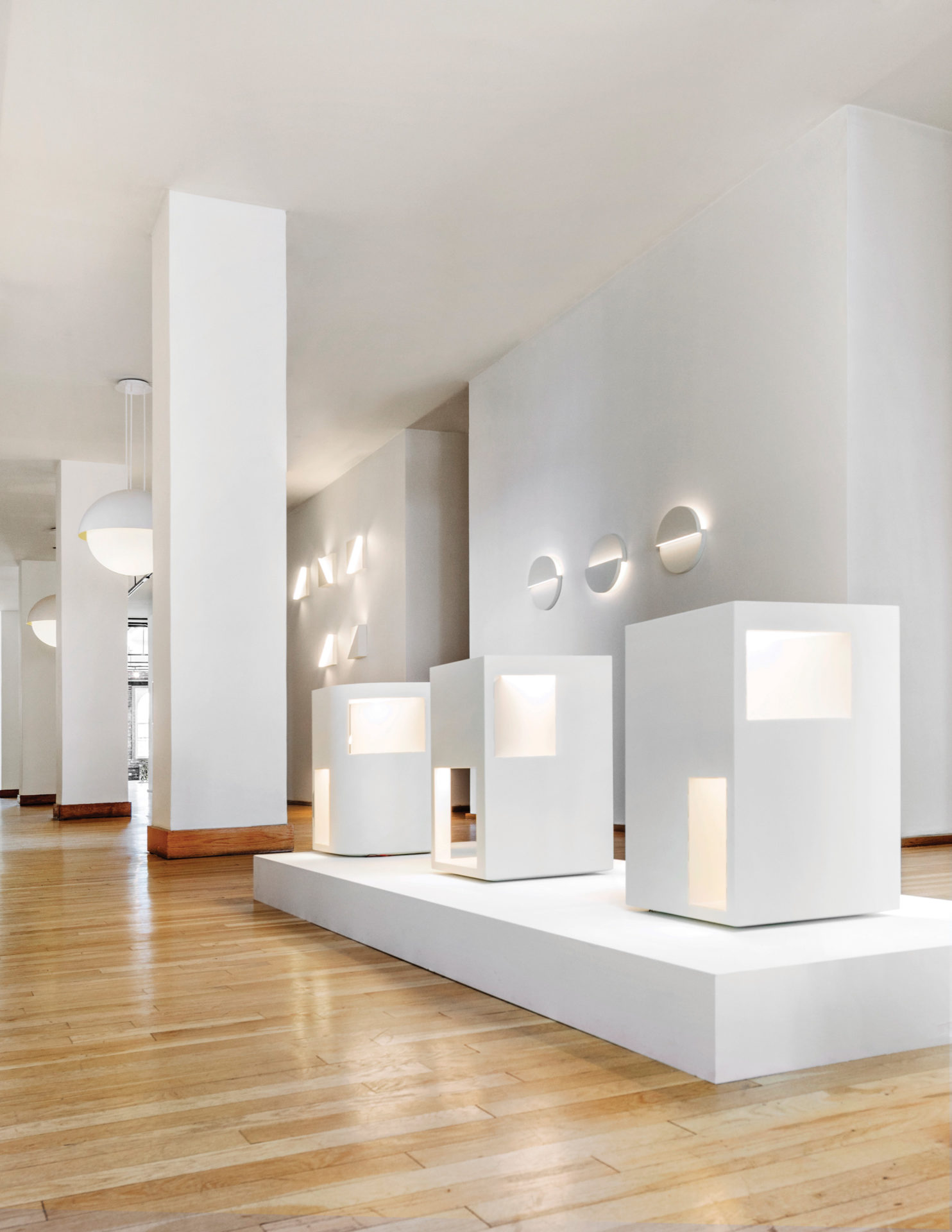 ... Light Debuts at Ralph Pucci. Published as & Richard Meier Light Debuts at Ralph Pucci | Interiors Magazine azcodes.com