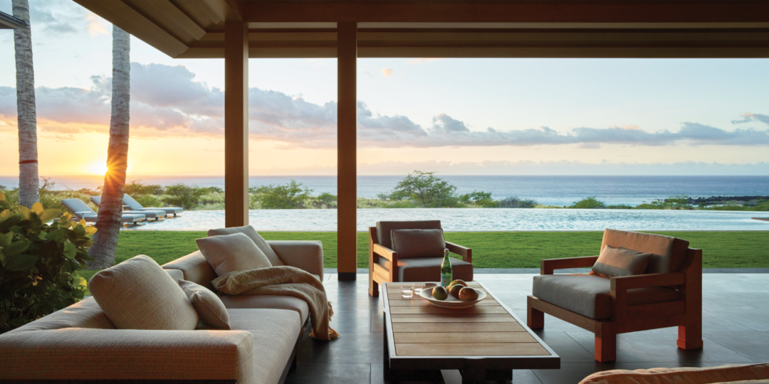 An elegant modern beach house in hawaii interiors magazine for Contemporary beach house interior design